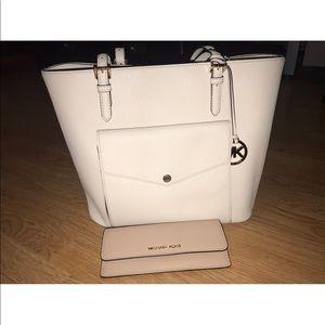 Michael Kors White Tote Bag & Wallet